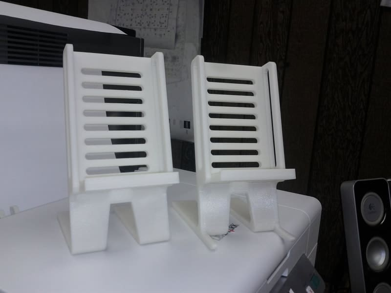 designed-cell-phone-stand-orig